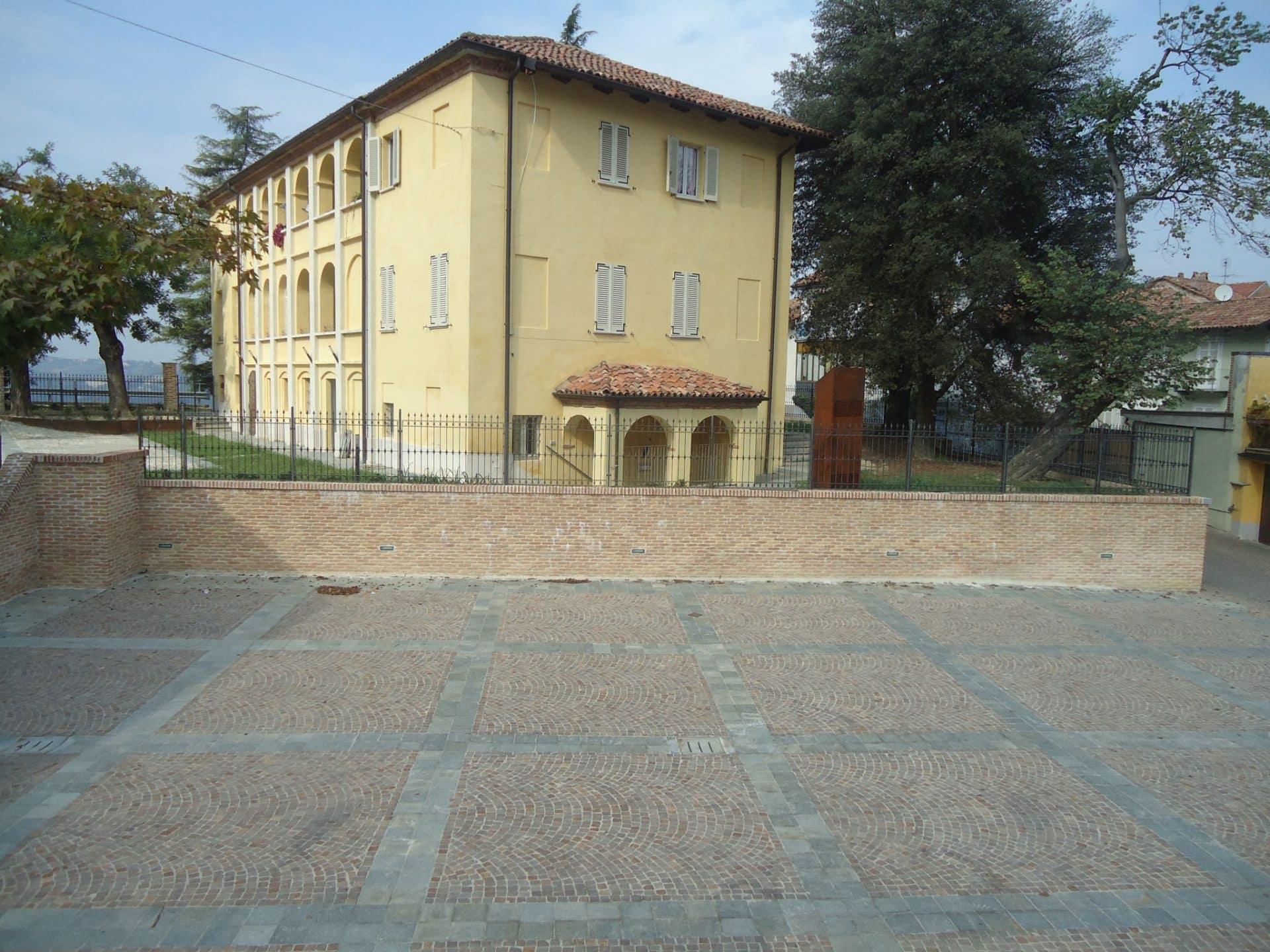 piazzale castello provincia asti